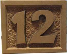 Hausnummer aus Stein